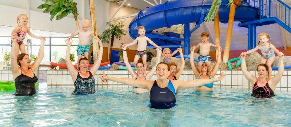 Puppyzwemmen bij Zwembad Wasbeek